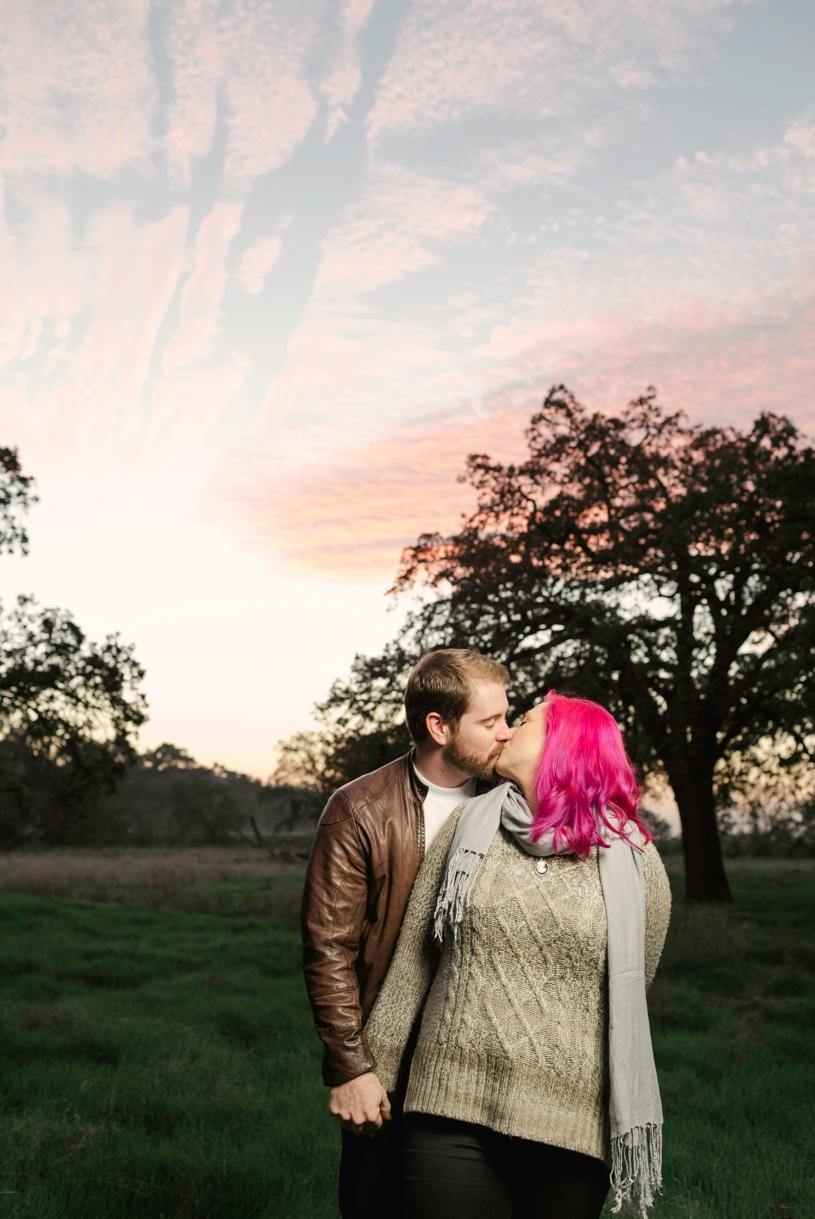 cozy-sacramento-couple-s-sunset-ession14