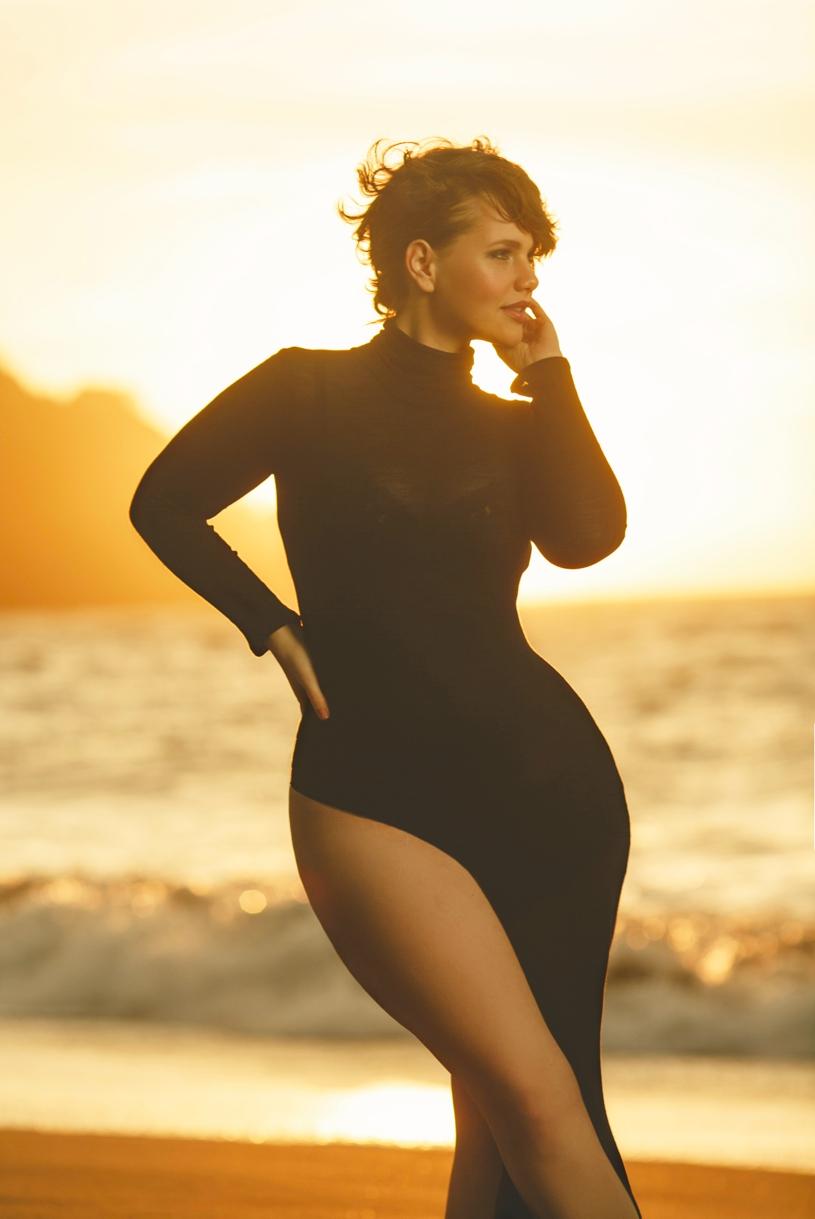 Sunset boudoir at Baker Beach of Elly Mayday by Matthew Leland