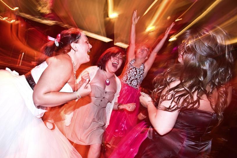 Hot August Nights wedding reception in Reno, Nevada by Matthew Leland Photography